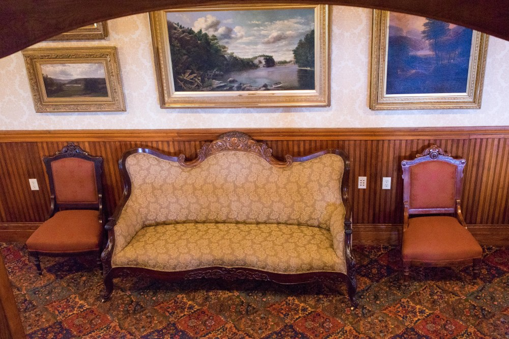 201608_EMM_Mohonk_interior_furniture-7203